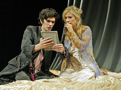 REVIEW: Hamlet, Old Vic (2004)