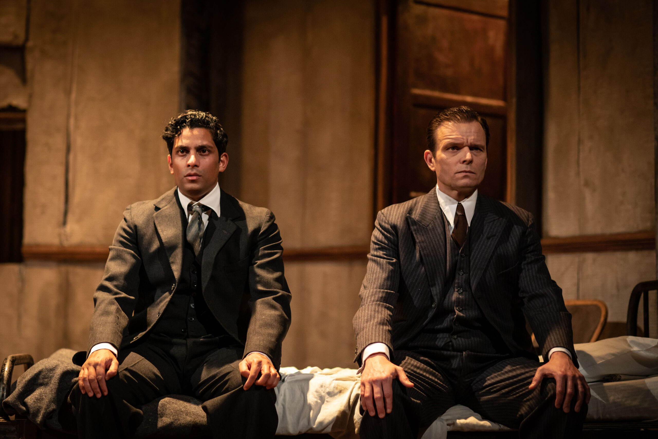 REVIEW: The Dumb Waiter, Hampstead Theatre