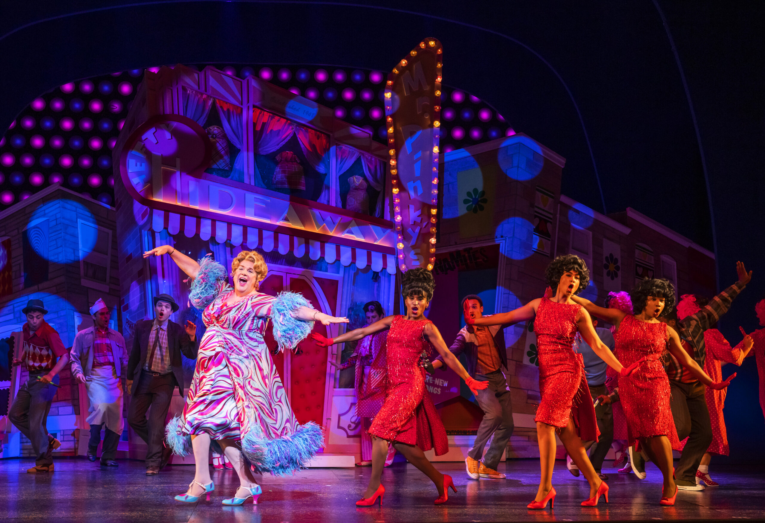 Read more about the article REVIEW: Hairspray, The Coliseum (2021)