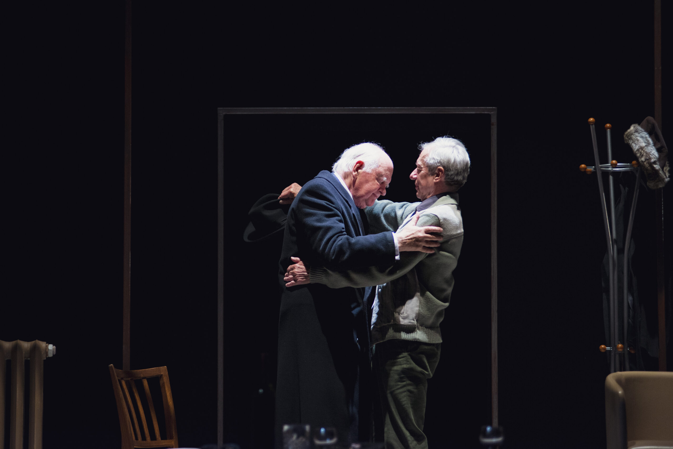 Read more about the article REVIEW: A Splinter of Ice, Yvonne Arnaud Theatre Guildford and tour (2021)
