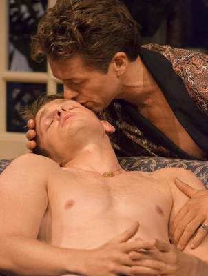 Read more about the article REVIEW: My Night with Reg, Donmar (2014) from our archive.  Showing at the Turbine from 21st July 2021