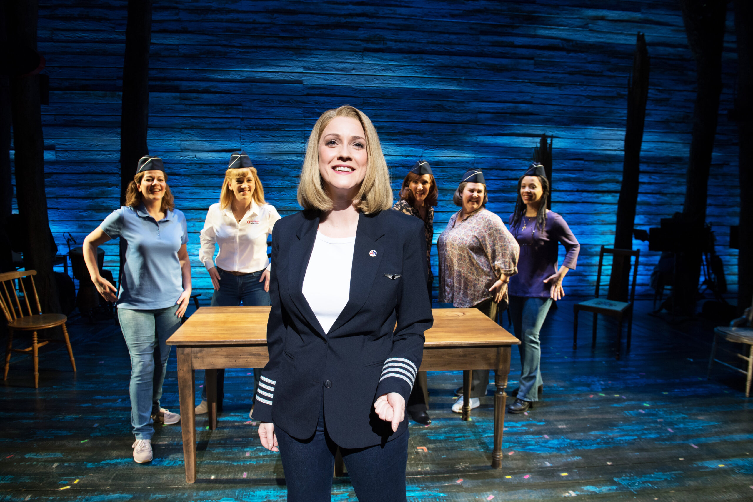 Read more about the article REVIEW: Come From Away, Phoenix Theatre (2021)