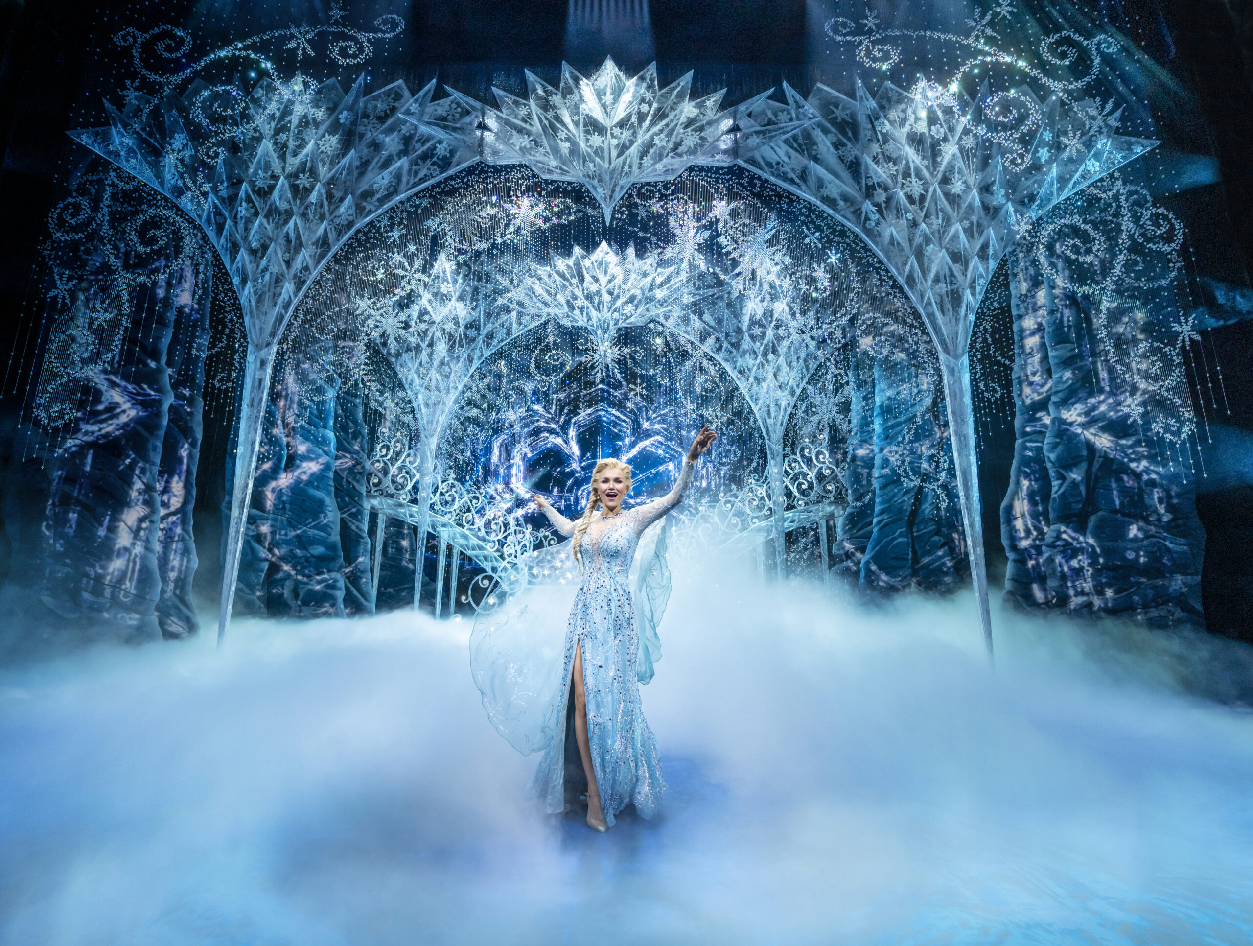 Read more about the article REVIEW: Frozen, the West End Musical, Theatre Royal Drury Lane (2021)