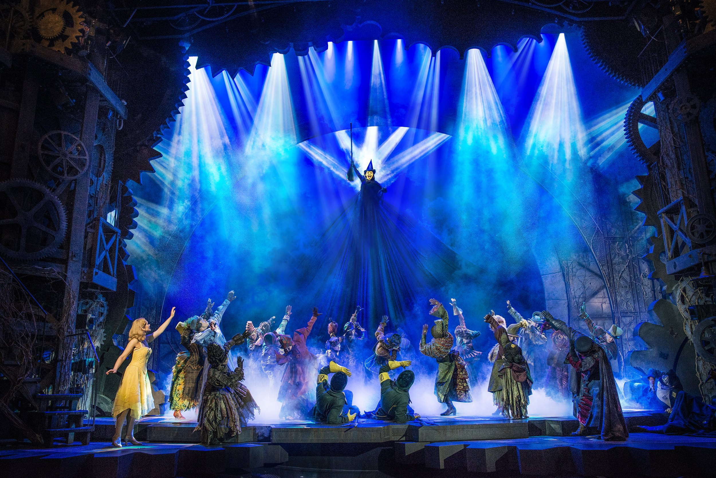 Read more about the article NEWS: Wicked celebrates its 15th birthday <br> at the Apollo Victoria