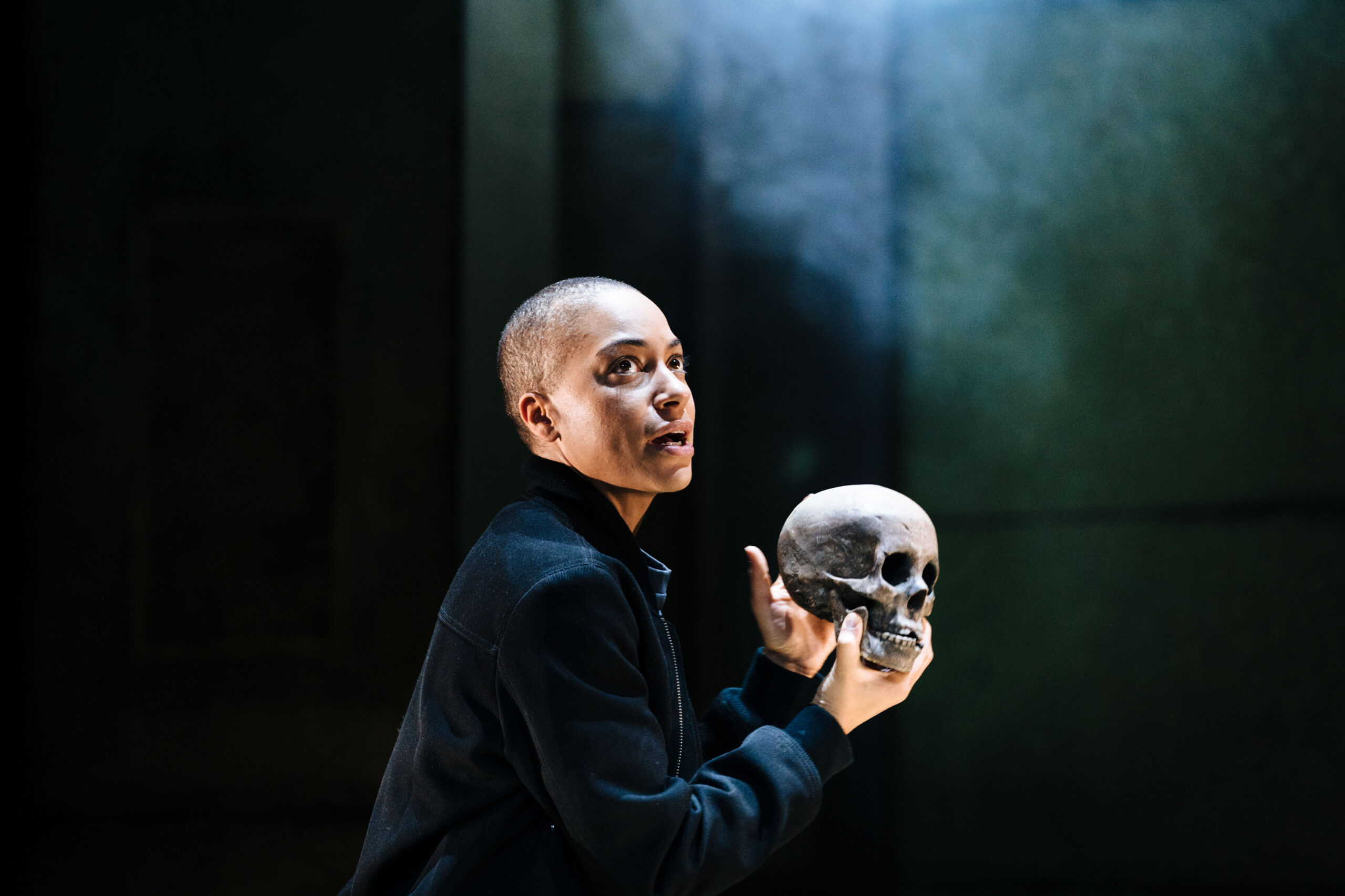 Read more about the article REVIEW: Hamlet, Young Vic (2021)