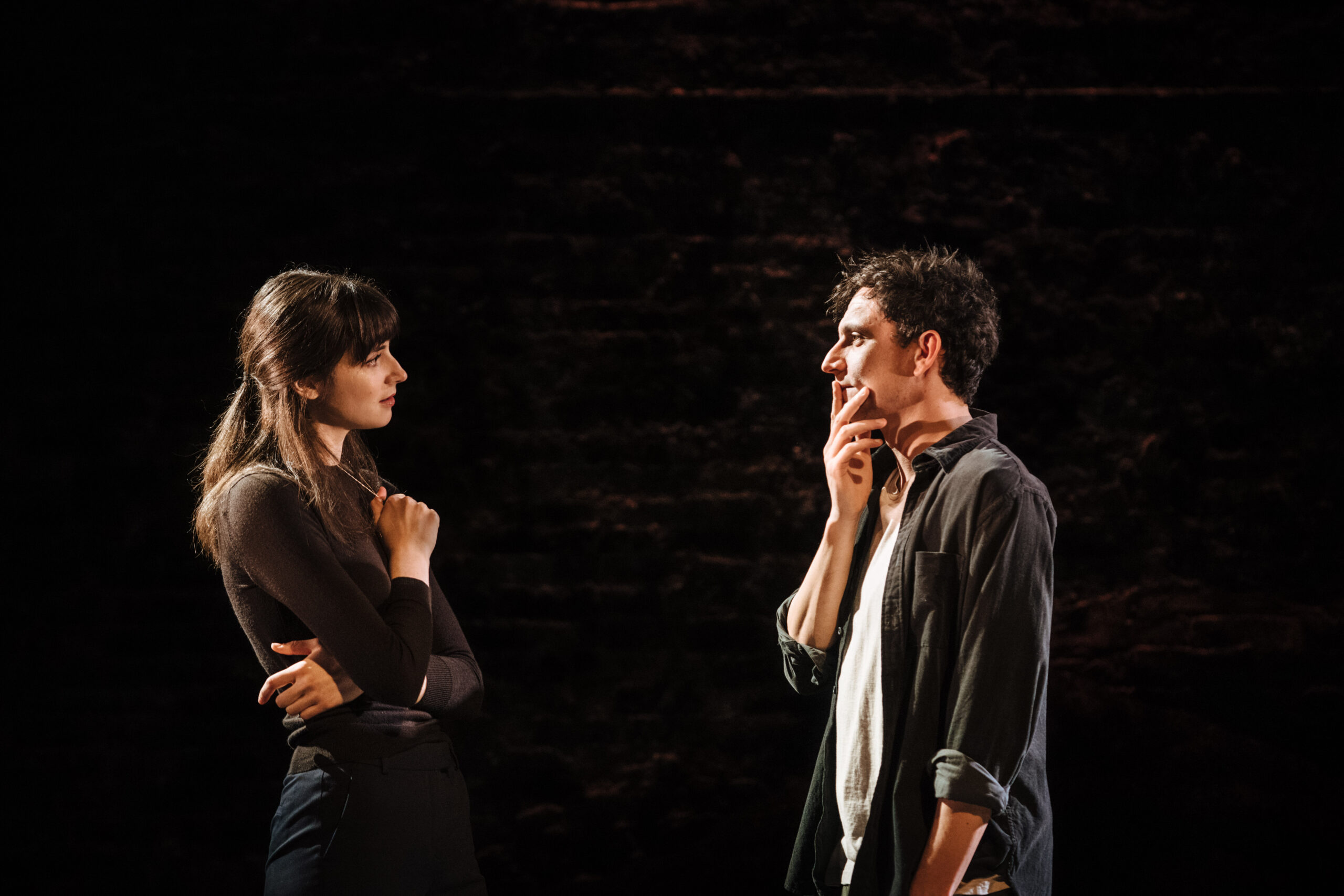 Read more about the article REVIEW: Love and Other Acts of Violence <br> Donmar Warehouse (2021)