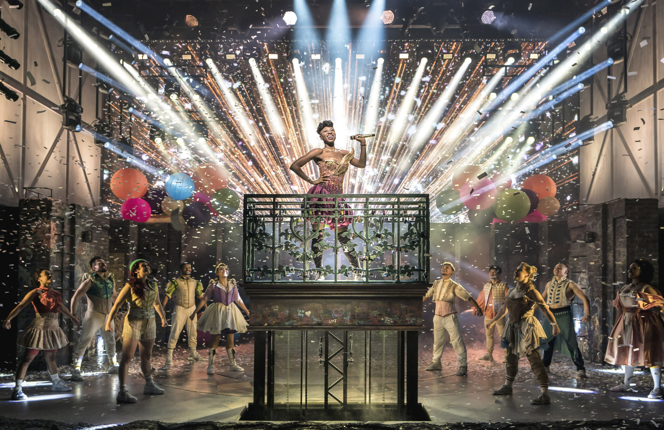 Read more about the article Editorial:  & Juliet  at the Shaftesbury Theatre (2021)