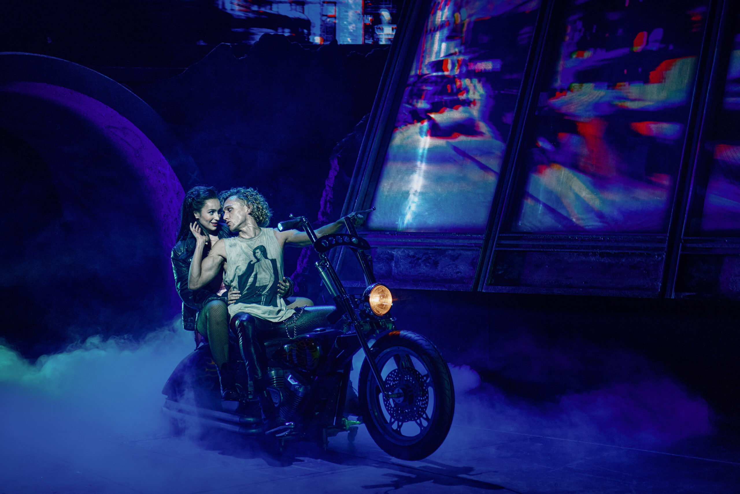 Read more about the article REVIEW: Bat Out of Hell, the tour New Theatre Oxford  (2021)